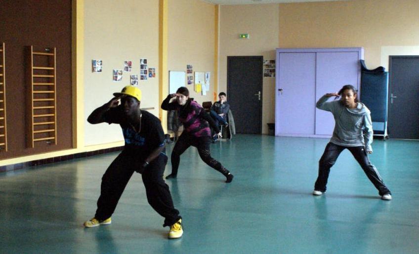 Les jeunes préparent un flashmob